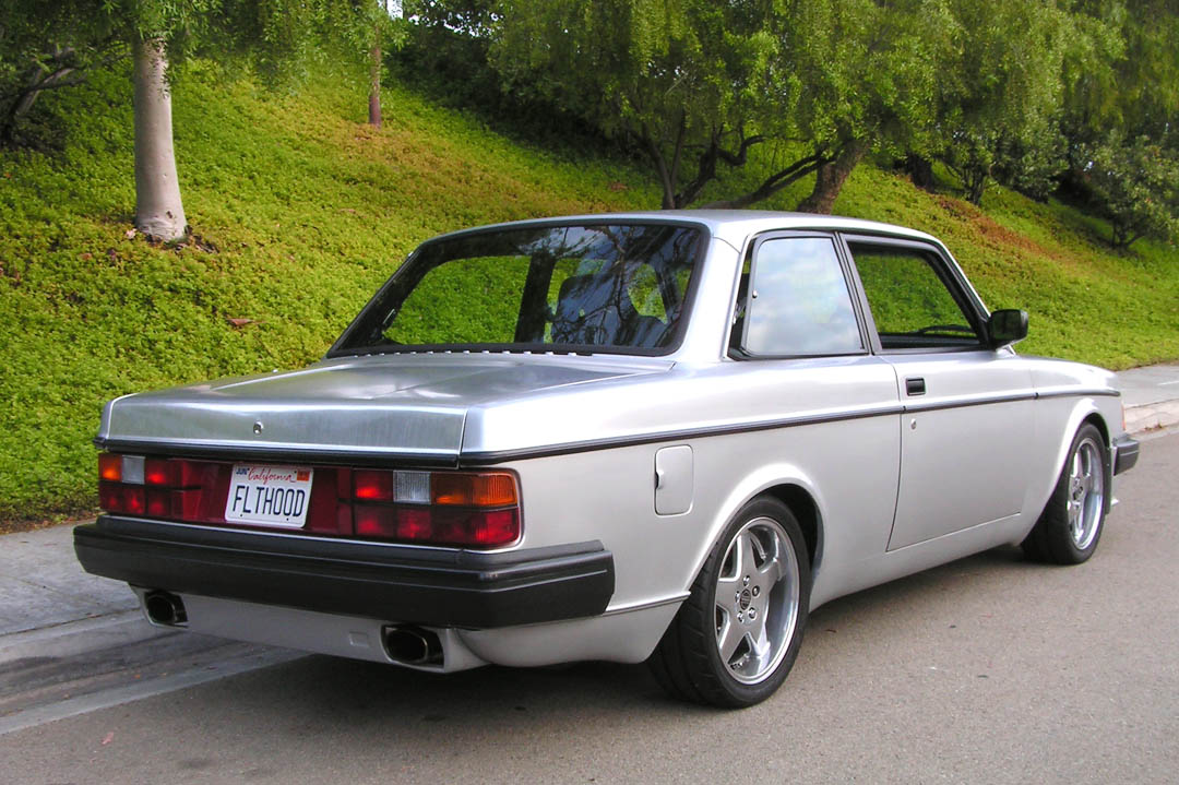 83 VOLVO 242 TURBO FLATHOOD